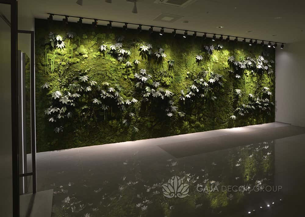Large forest plants wall