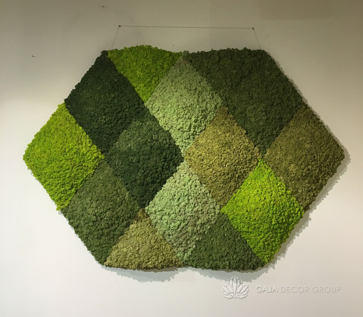 Diamond shape Scandinavian moss picture